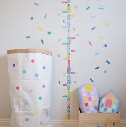 jubel-jubelshop-jubelshop-no-oppbevaring-konfetti-papirpose-hoydemaaler-hoyde-barnerom-prikker-streker-confetti-barn